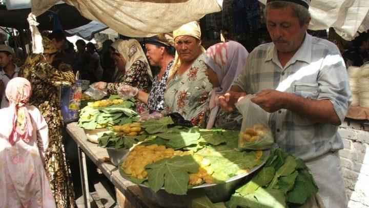 Инжирный ряд на ошском базаре