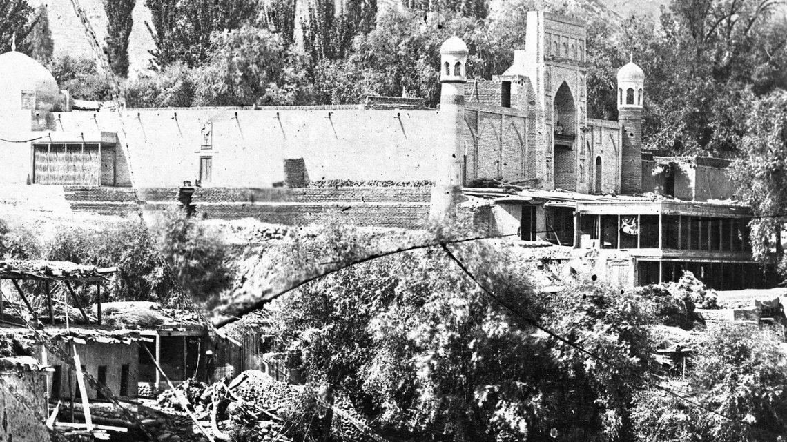 «Белая» мечеть или история самой известной литографии Оша