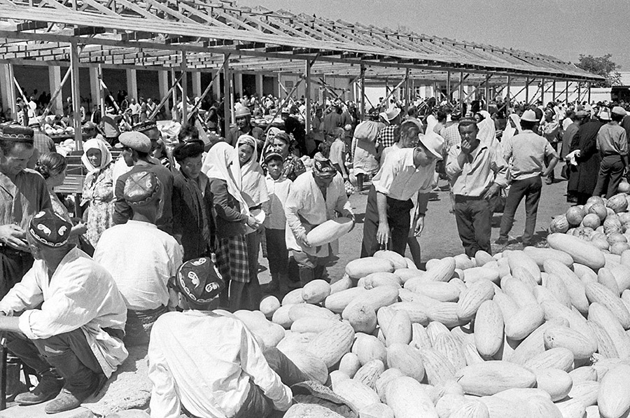 На солнечной стороне ошского базара