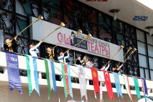 Фестиваль театров в Оше (6)
