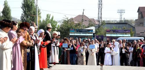 Фестиваль театров в Оше (8)
